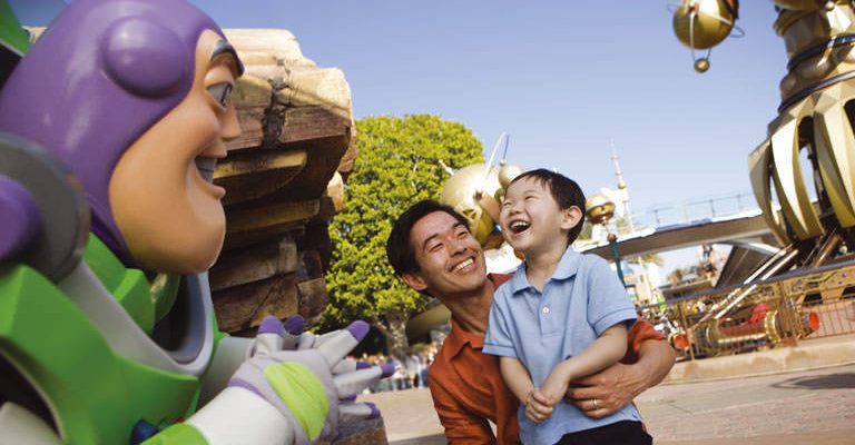 Disney figuren ontmoeten in Disneyland Paris